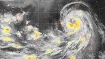 国外网友看到台风山竹后,直呼太大了!比美国史诗级飓风还强大