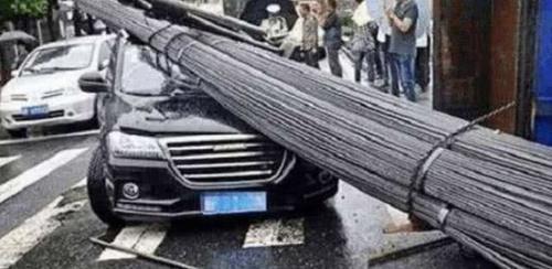 一场车祸造就一个车企,它撑起10吨钢筋,它抗住了货车!