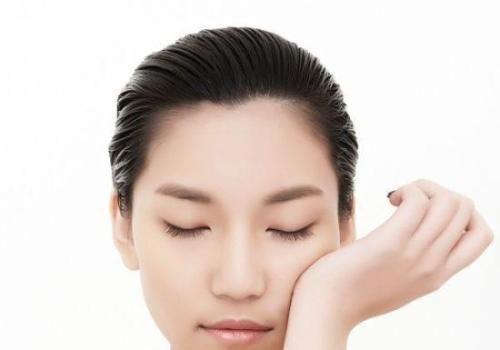 耳朵上长痘痘是什么原因