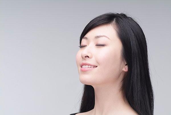 贵州白癜风皮肤病医院解答:白癜风会对患者造成什么样的危害?
