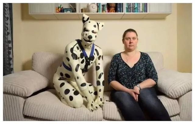 恋爱多年未婚夫选择变成一条狗