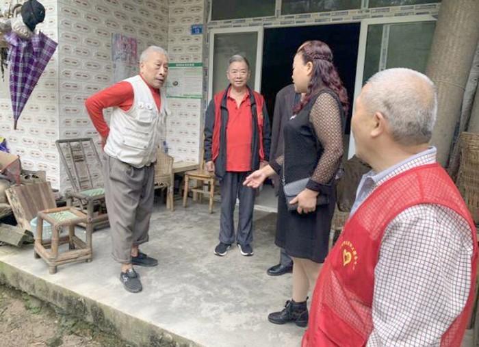 【党群共融·关爱老人】志愿者进村入户