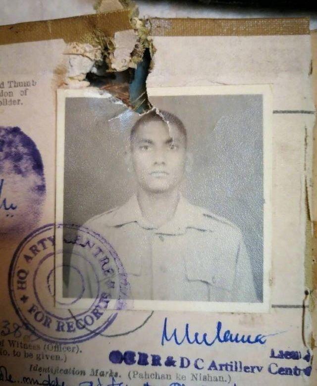 1962年对印反击战战利品:被俘印军士兵证还带血 - 挥斥方遒 - 挥斥方遒的博客
