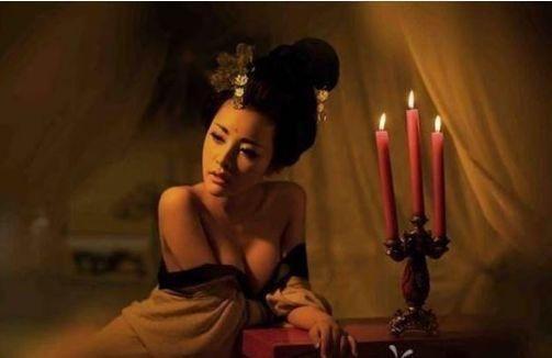 女子出上联:一人一碗一口锅,好坏的秀才出了下联,女子娇羞起来! - 周公乐 - xinhua8848 的博客