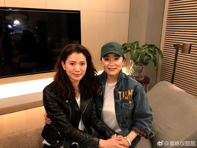 47岁袁咏仪不美图不化妆就敢亮相的自信女神