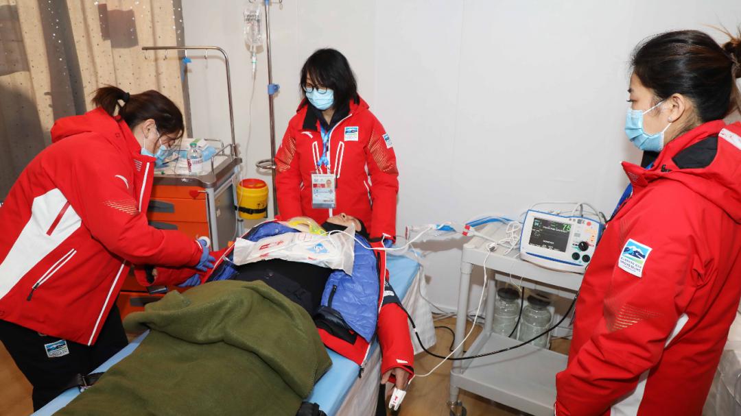 延庆赛区高山滑雪医疗保障团队为冬奥会测试活动保驾护航
