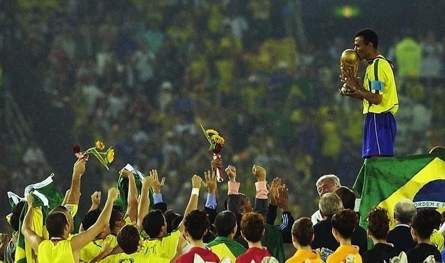 世界杯往事:消失在98年决赛中的罗纳尔多以及