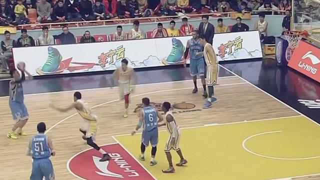 《天天体育》20200310回顾蒲京首钢男篮季后赛第四场