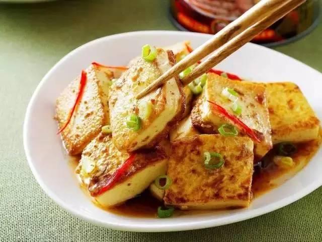 豆腐怎么做好吃?这样做豆腐,比肉还要好吃千百倍!