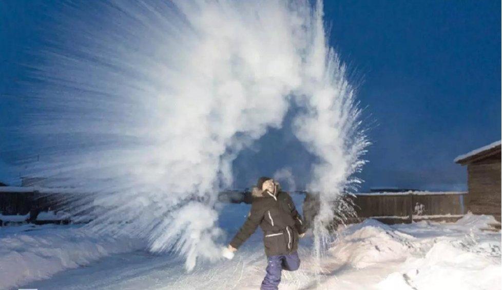 世界上最冷的村庄:零下71度,上厕所会被冻住,活到100岁很正常