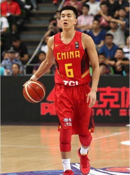 重排中国男篮历史最强阵容,郭艾伦上榜 中锋人