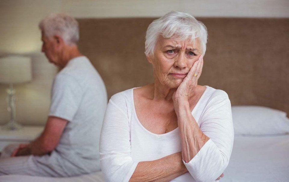 40-55岁女性有这4种特征,说明更年期已经很严重了! - 眼花缭乱的世界 - 向前,向前,一路向前!!!