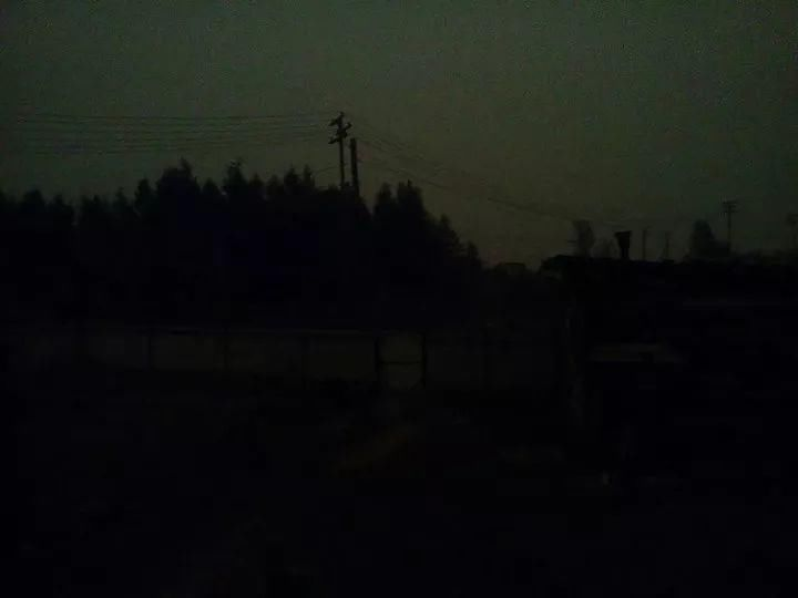 西伯利亚天空突然变黑  神秘现象