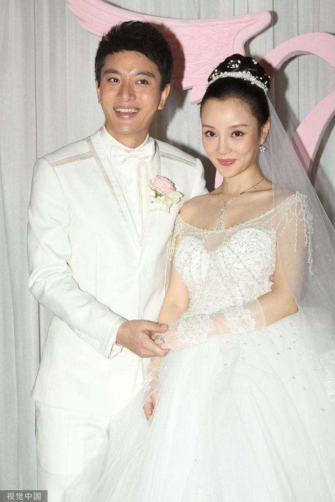 李小璐贾乃亮联合宣布离婚 PGone亲密视频事件疑似主因