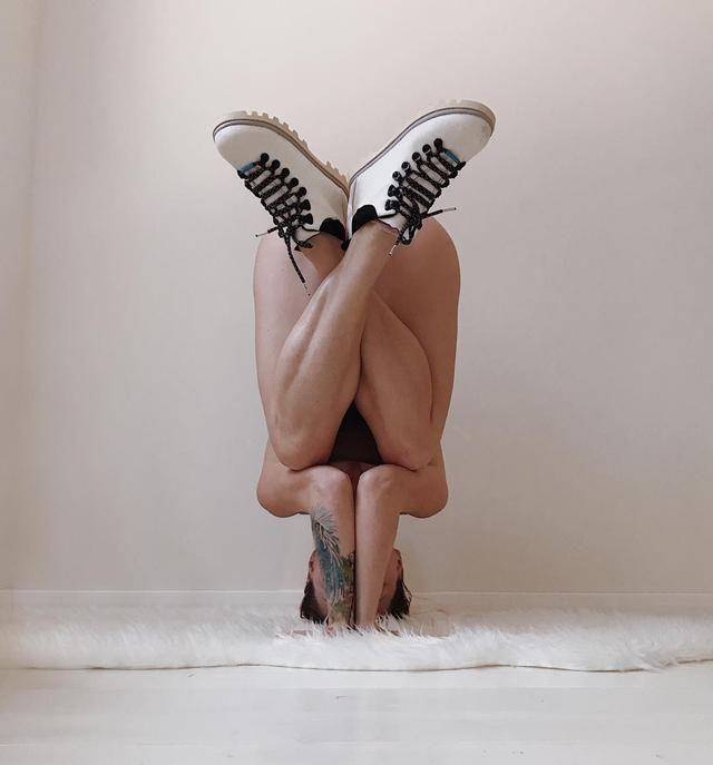 练瑜伽的女人身体能柔软到什么程度,说出来我