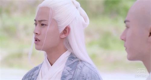 杨紫与任嘉伦千年爱而不得,秦俊杰看到断桥上